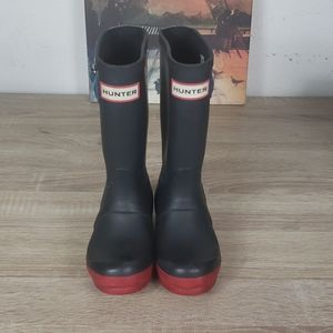 HUNTER KIDS RAIN BOOTS WITH REFLECTIVE SIZE 12.